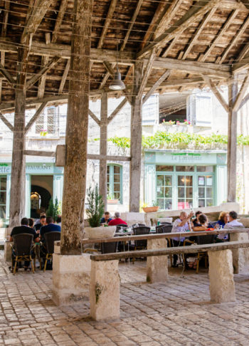 Manger à Villebois Lavalette